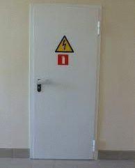 Какой тип дверей оптимален для установки в электрощитовых?